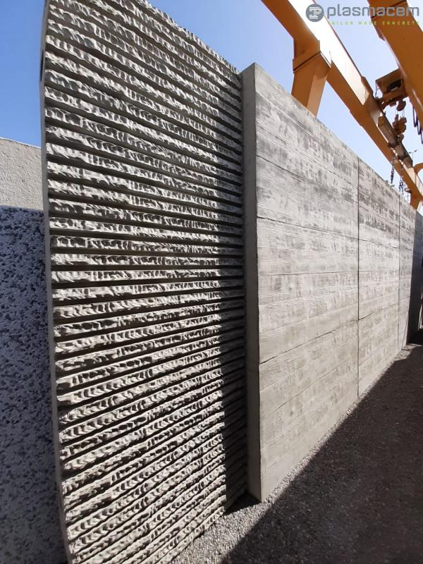 PLASMACEM - TAILOR MADE CONCRETE - Creation of panels for the new Caravaggio HYPERMARKET
