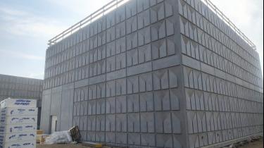 PLASMACEM - BÉTON SUR MESURE - CONSTRUCTION D'UN BÂTIMENT INDUSTRIEL NEUF AVEC MATRICE DE DESSINS